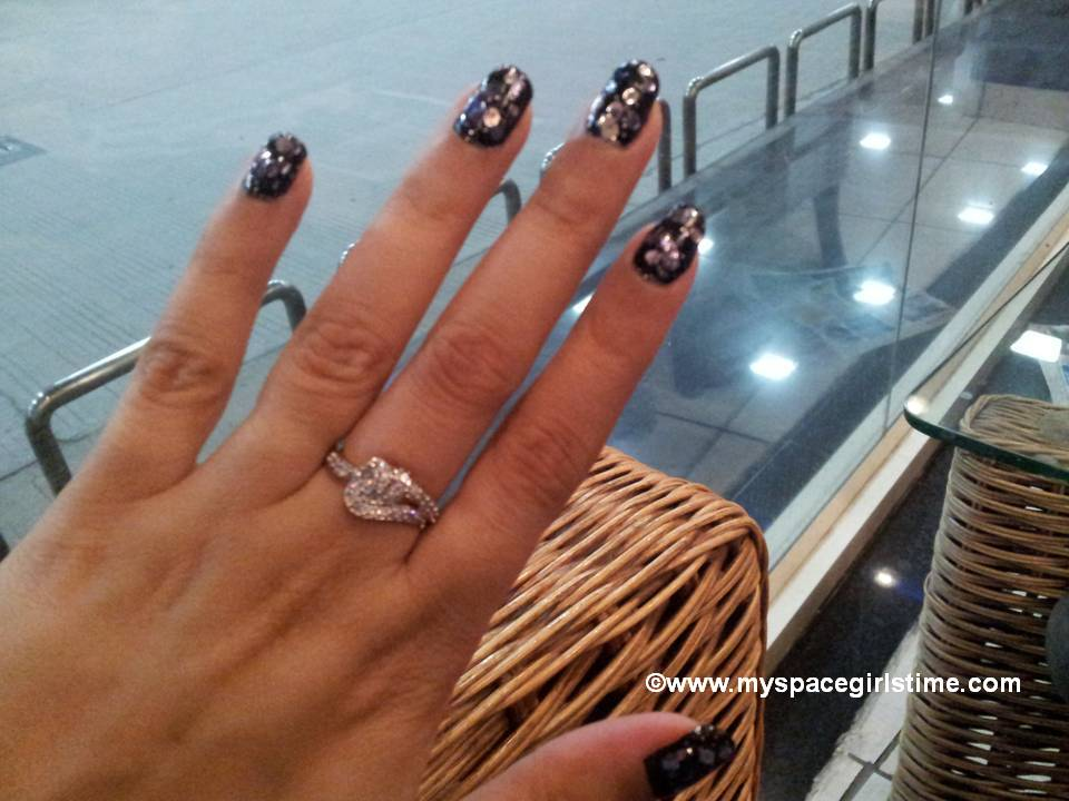 What I am wearing on my nails today!!! (Nail Art Design 22)